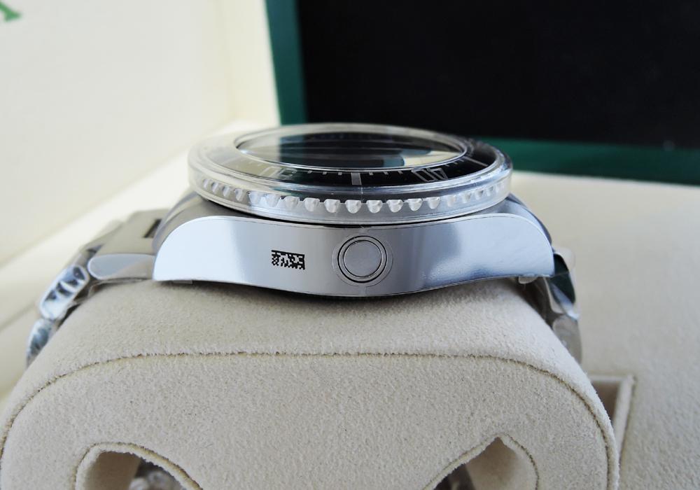 【超希少】新品ROLEX シードウェラー ディープシー Dブルー116660 シール有 2015年保証書付 マイナーチェンジ前の希少文字盤