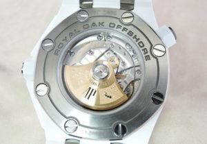 ロイヤルオーク オフショアダイバー 15707CB.OO.A010CA.01   ブティック限定 ホワイトセラミック