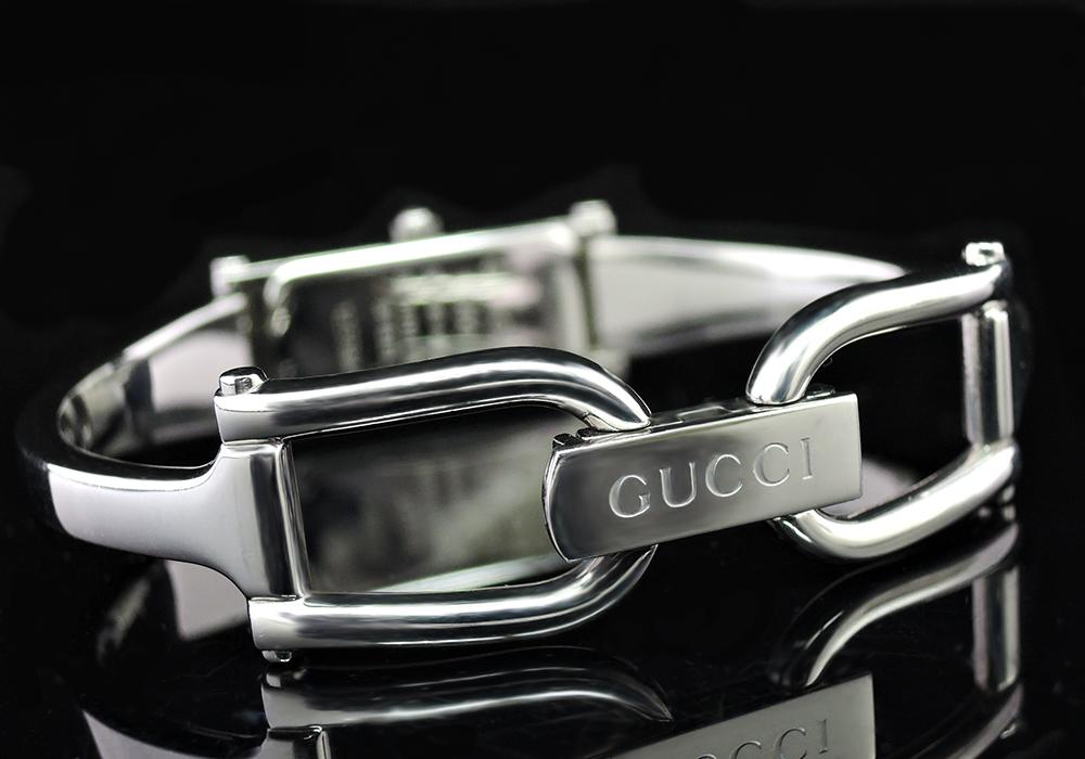 GUCCI 1500L レディースウォッチ 腕時計 バングルタイプ グレー文字盤