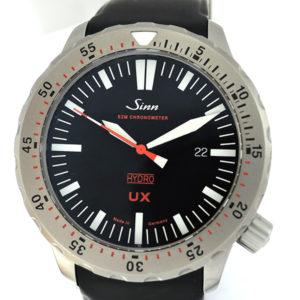 Sinn UX 403 UX EZM 2B クオーツ デイト メンズ腕時計 ステンレス ラバーストラップ 黒文字盤 保証書 【委託時計】